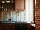 Состаренная доска в дизайне московской квартиры