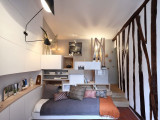 Декоративные балки из дерева в дизайне маленькой питерской квартиры